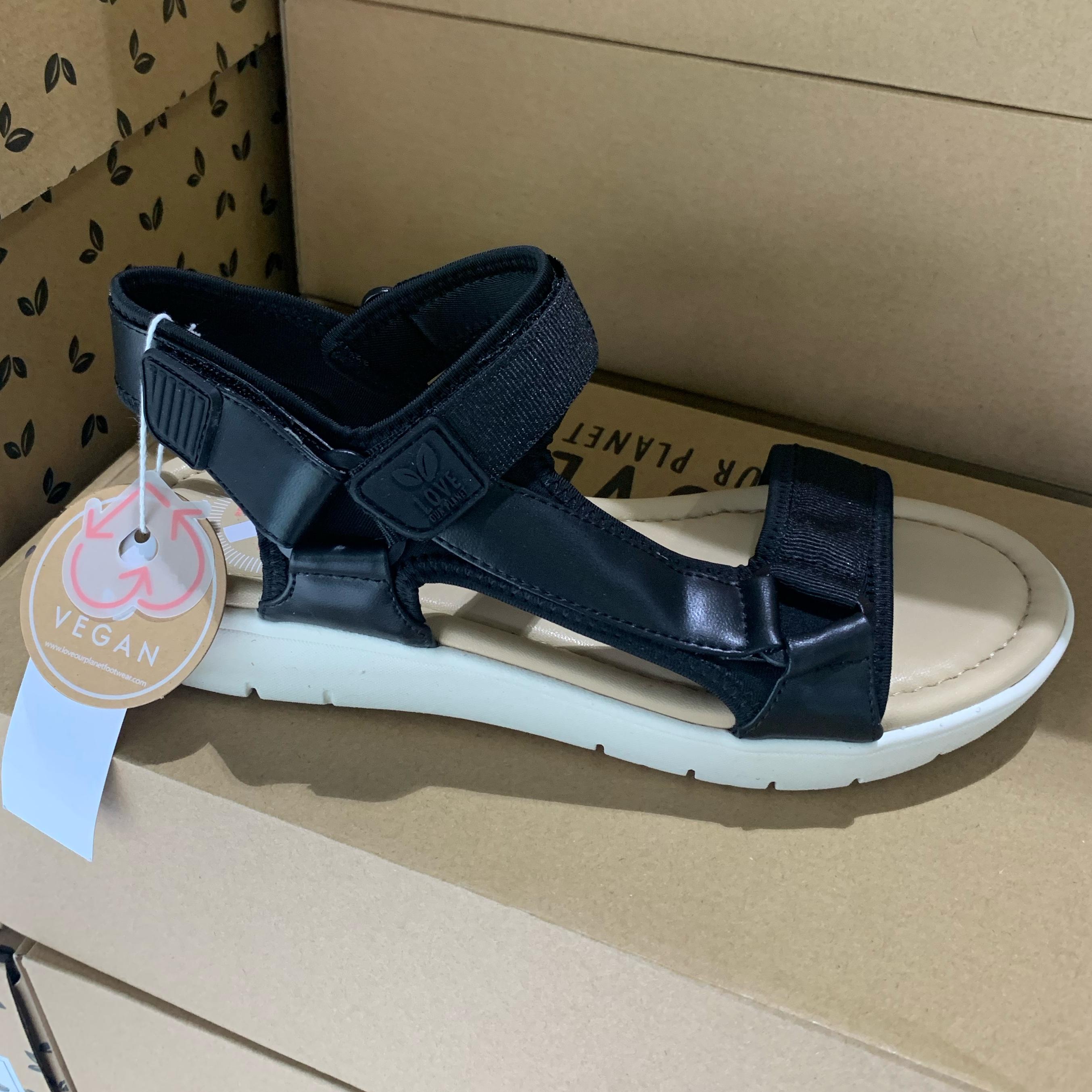 love our planet isabel black sandaler dame sommersko1