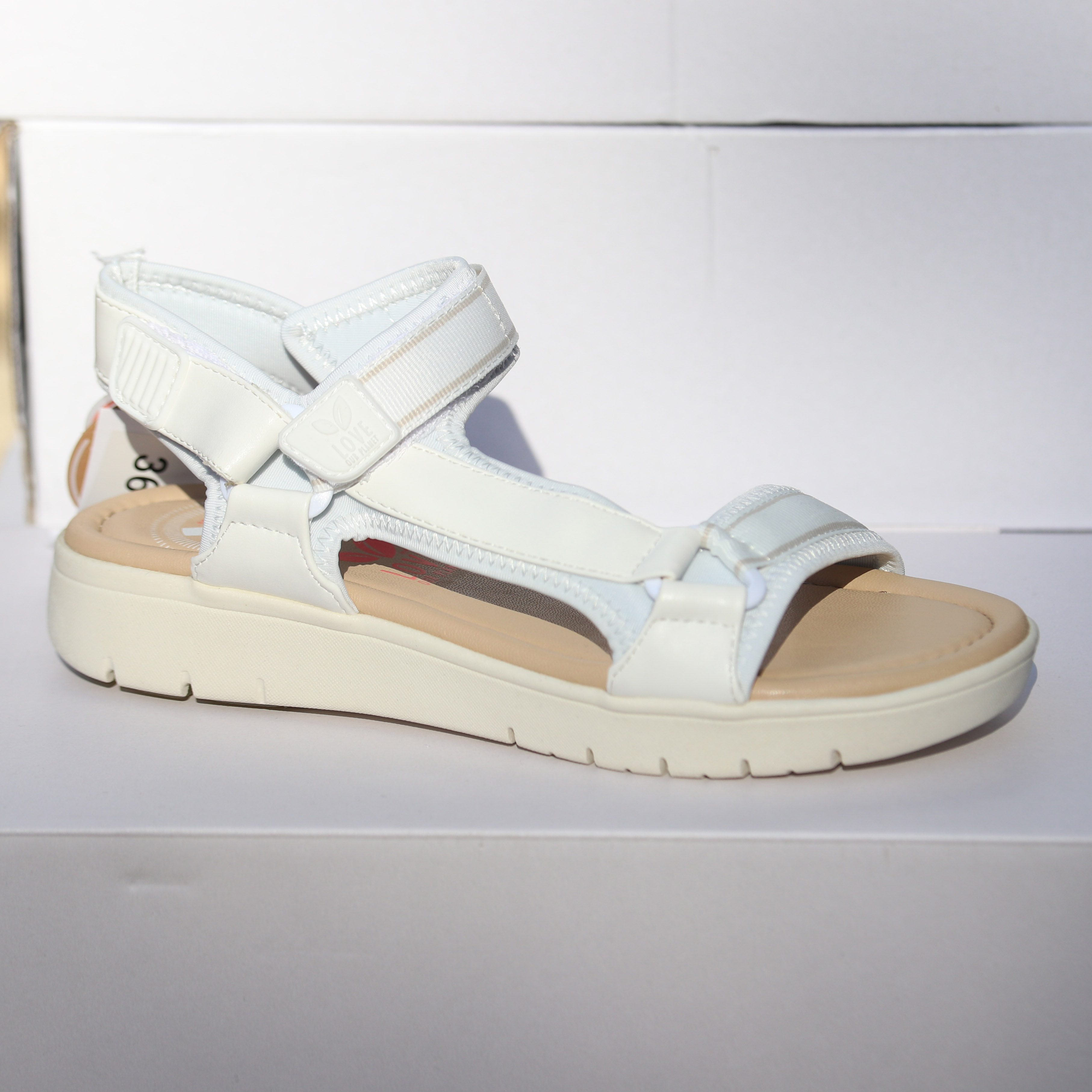 love our planet isabel white sandal dame3