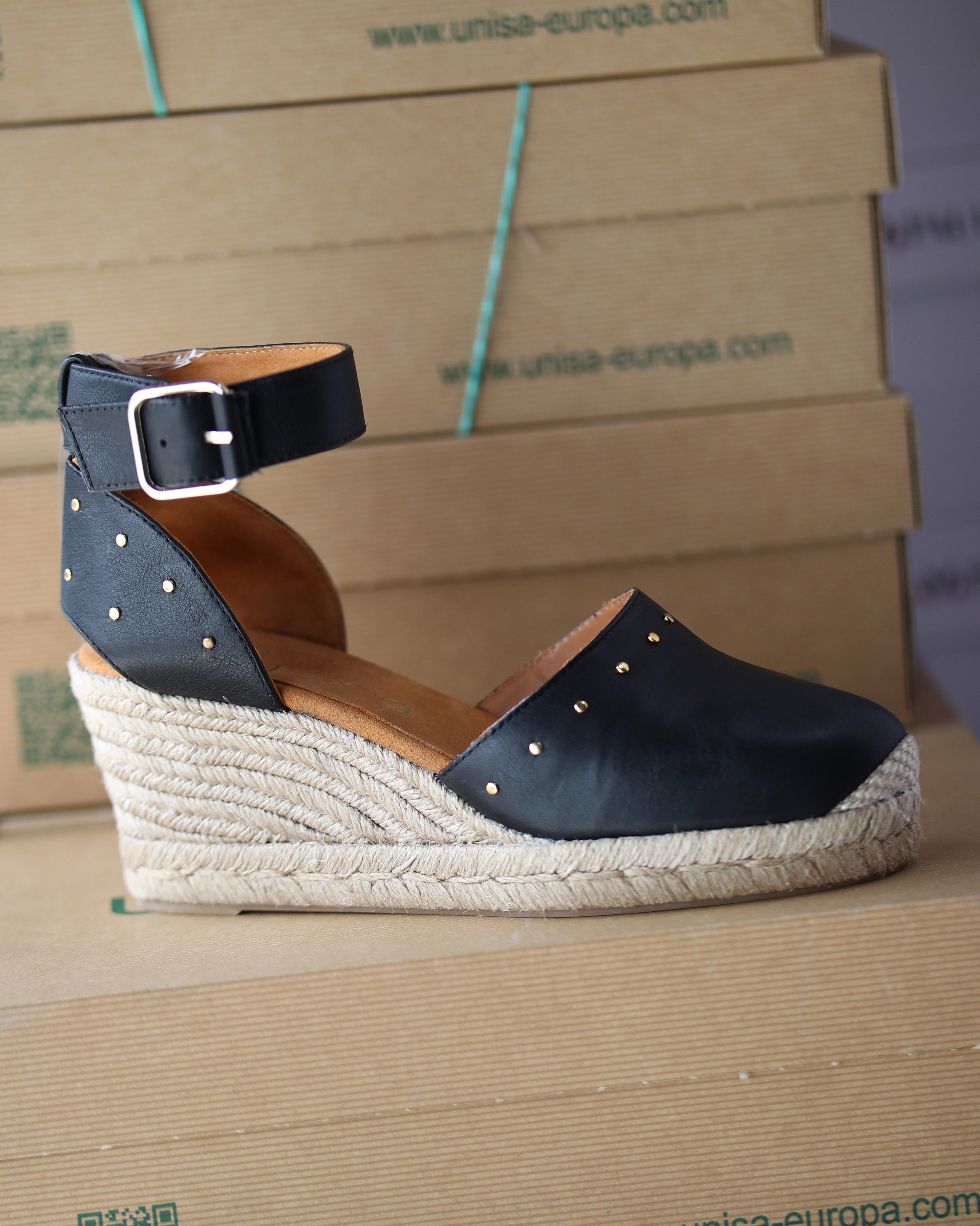 unisa cliver black creamy sandal dame4