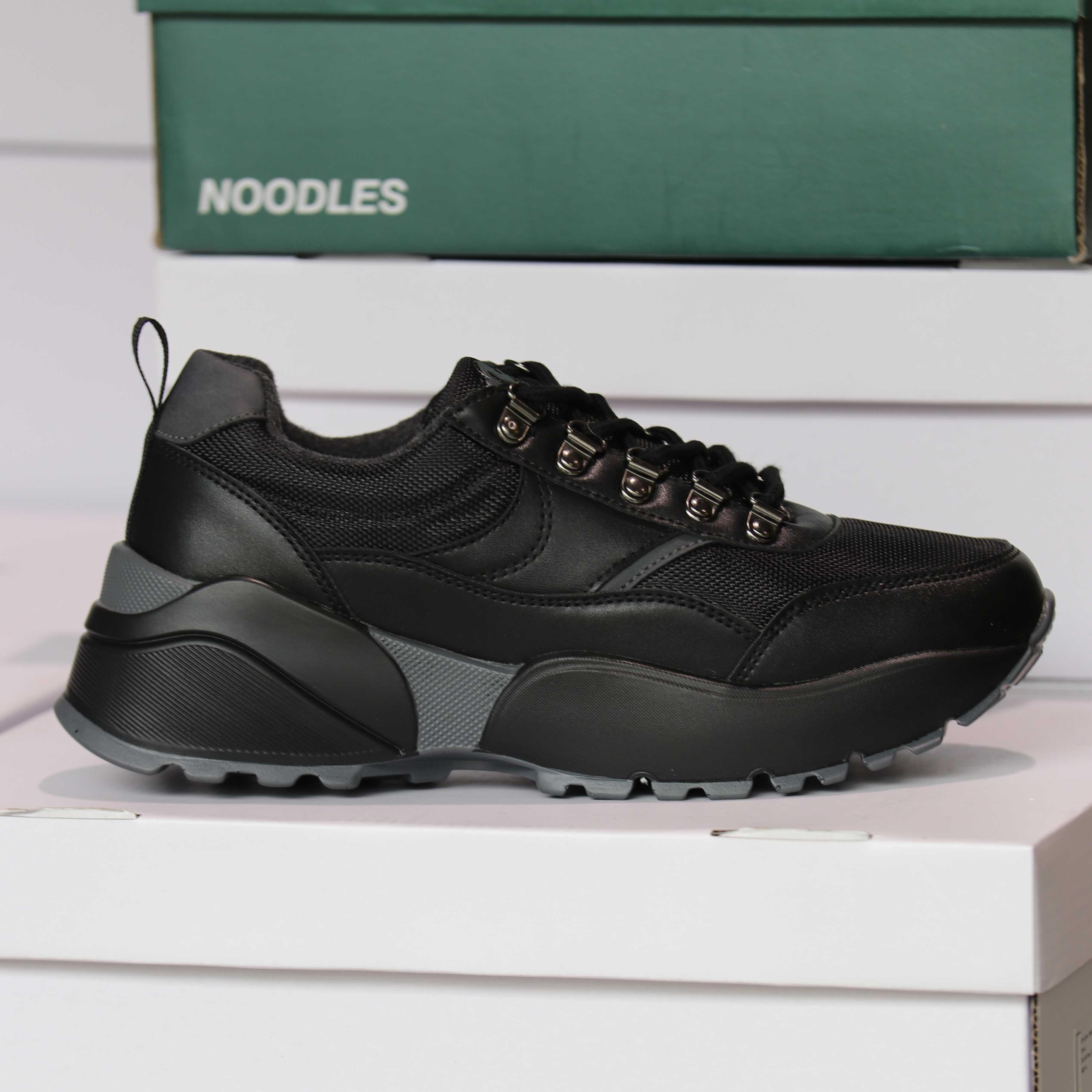 noodles chunko low black sneakers dame5