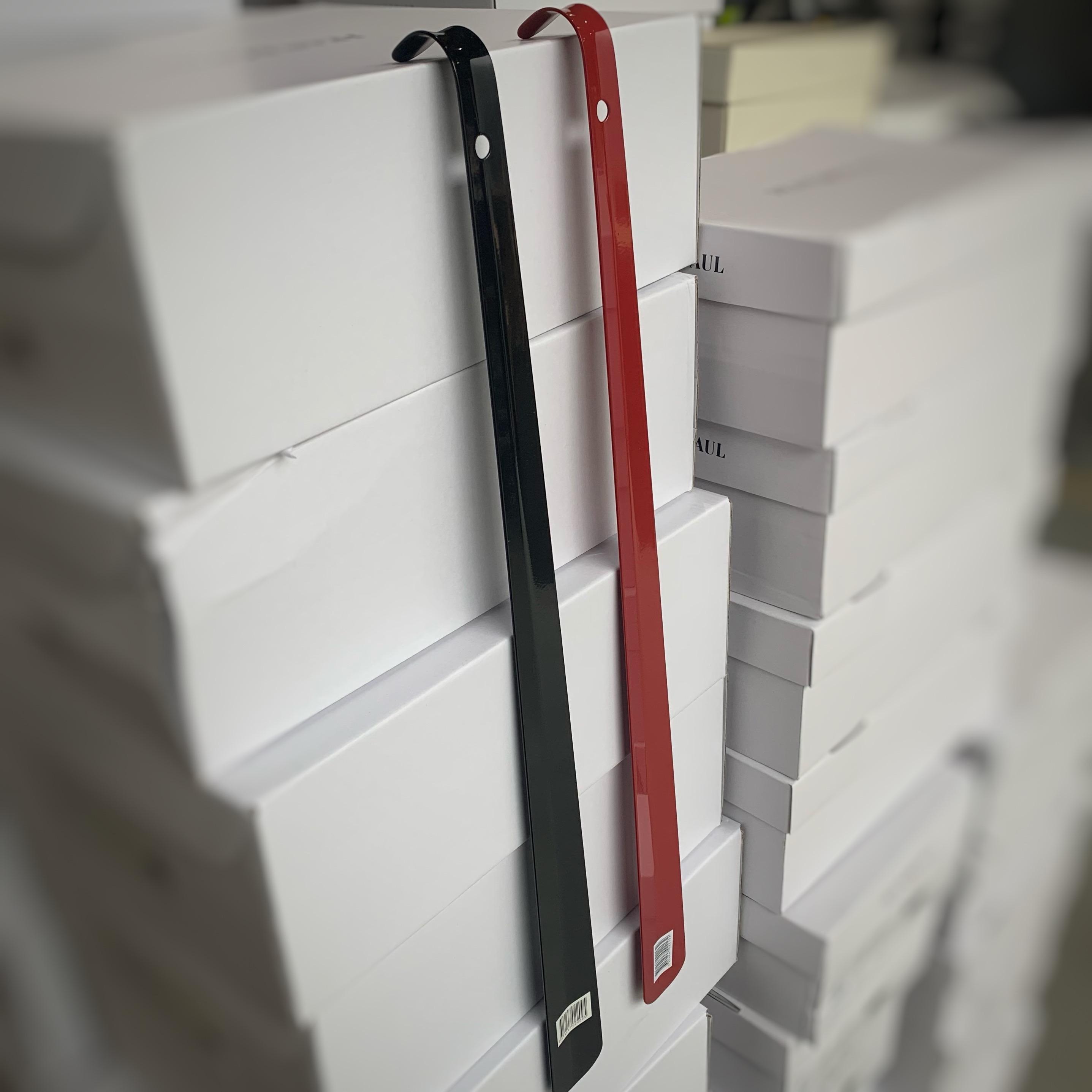 skohorn metal 60cm rød sort2